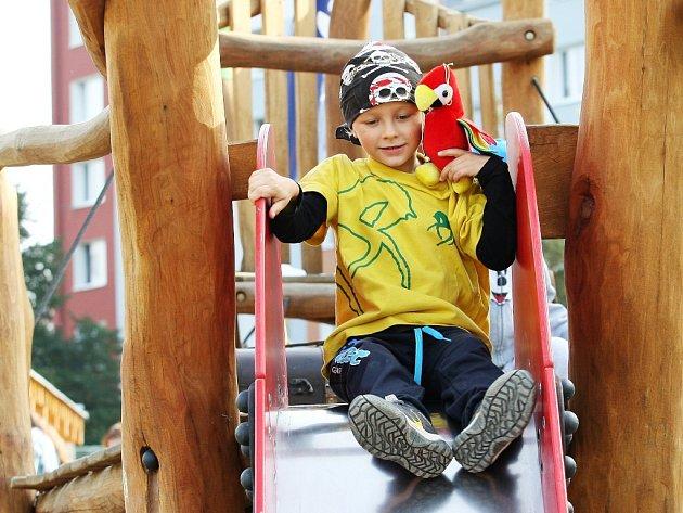 Litvínovská radnice chce dětské hřiště u školky v Tylově ulici.