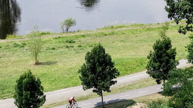 Cyklostezka.