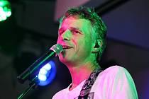 Janek Ledecký přijede do Litvínova se svým vánočním turné Všichni dobří andělé.
