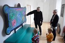 V litvínovském zámku začala výstava Trnka na zámku! Interaktivní expozice ukazuje život a dílo světoznámého českého umělce. Autory výstavy jsou Jan Trnka (na snímku) a Matyáš Trnka, syn a vnuk Jiřího Trnky