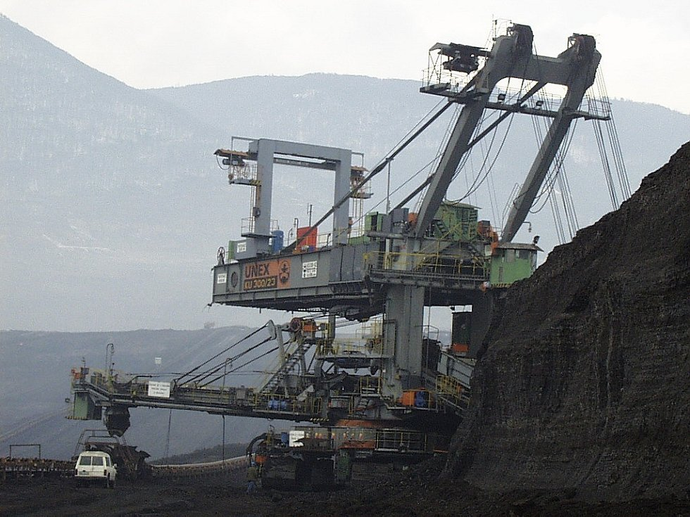 Těžba uhlí na Mostecku.