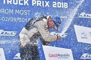 Radost na stupních vítězů při Czech Truck Prix v Mostě.