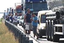 Kdy se řidiči po D8 svezou přes České středohoří?