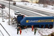 Havárie kamionu u Mostu.