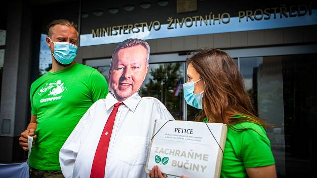 Předání petice za záchranu bučin u Horního Jiřetína