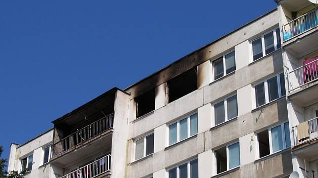Plyn vybuchl v bytě v 5. patře bloku F2.