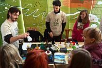 Fakulta životního prostředí ústecké univerzity se v Mostě představila na prezentaci vysokých škol Sokrates v Městském divadle v Mostě.
