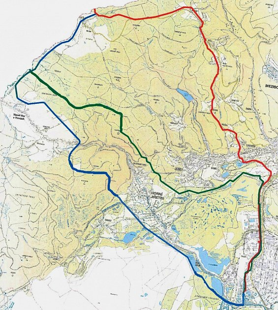 Červená trasa je původní, pro Litvínov nepřijatelná. Modrá trasa je návrhem měst.  Zelenou trasu předkládá společnost Mero ČR.