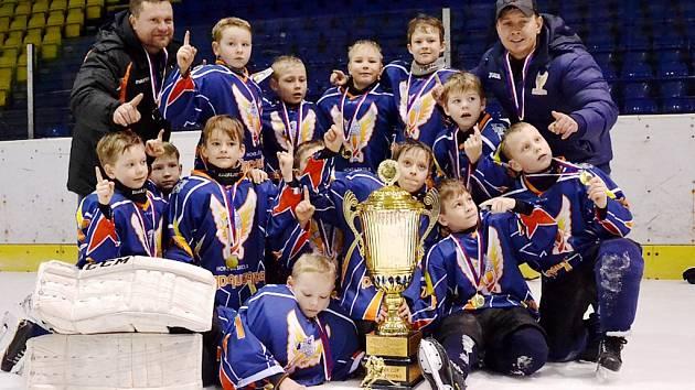 Lotyšská Pardaugava vyhrála první turnaj letošní série hokejových turnajů mládeže Easter Cup.