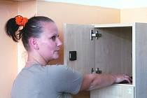Pacienti si do skříněk ukládají své osobní věci.