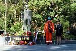 Pietní akt v Litvínově u památníku Pluto