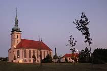 Na senior pas lze získat zvýhodněné vstupné například v děkanském kostele v Mostě.