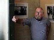 Ivan Klein poprvé v životě samostatně vystavuje svá díla.