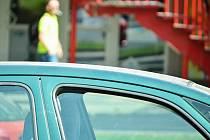 Nezajištěné auto v centru Mostu