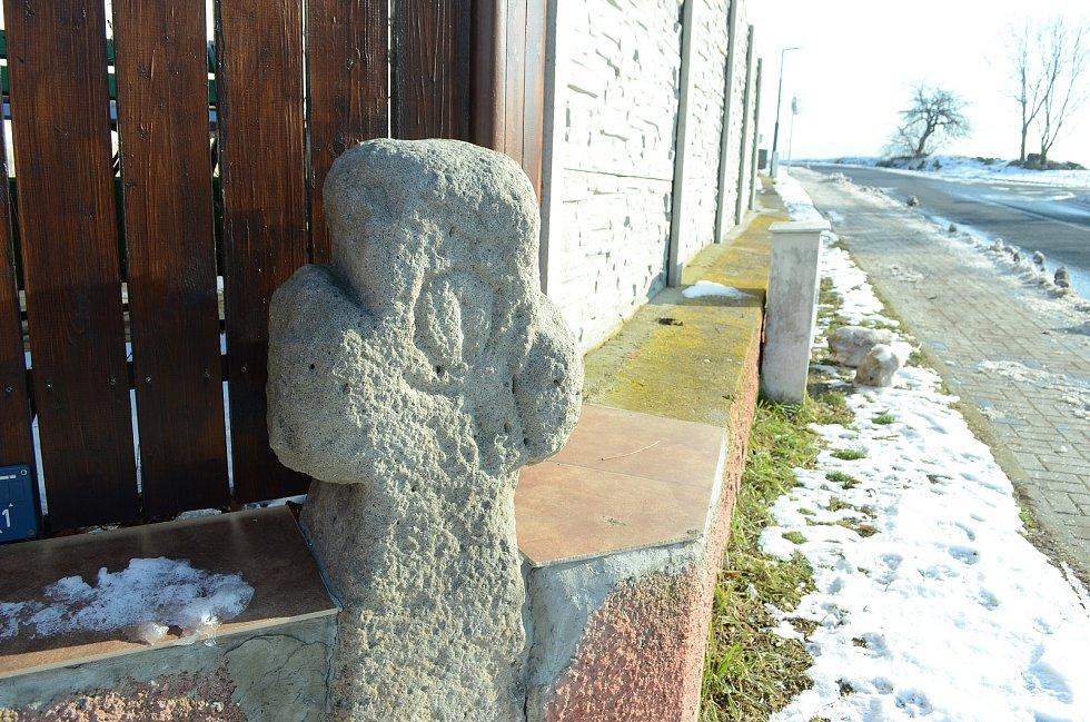 Smírčí kříž v obci Patokryje je kulturní památkou.