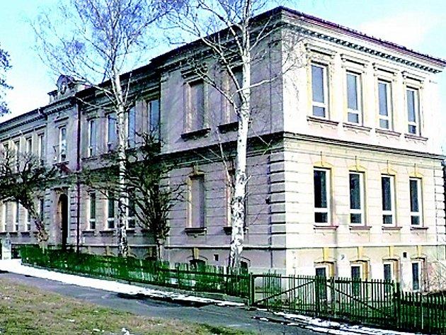 Bývalá janovská škola.