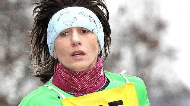 V kadaňském Zimním běžeckém poháru láme rekordy také Ivana Sekyrová z AK Sokolov, současná nejlepší česká atletka na dlouhých tratích.