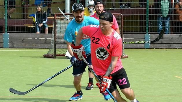 V sobotu se na hřišti Soukromé sportovní základní školy v Litvínově uskuteční třetí ročník turnaje Oldschool Bandy Cup v populárním pouličním hokeji.