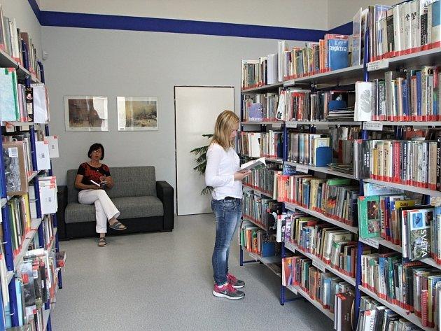 Opravy se dočká brandovská knihovna.