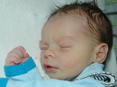 Mamince Šárce Šímové se 3. prosince ve 3.30 hodin narodil syn Vojtěch Šíma. Měřil 52 cm a vážil 3,04 kilogramu.
