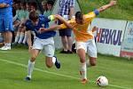 FK Baník Most-Souš (v modrém) čeká v další fázi MOL Cupu druholigová Příbram.