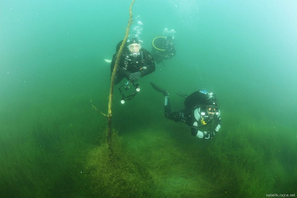 Podívejte se, jak to vypadá pod hladinou jezera Most.