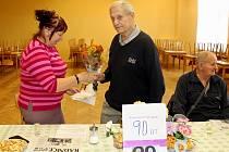 Viktor Šašek z Louky oslavil v klubu seniorů 90 let