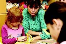 Čtení dětem v mostecké nemocnici.