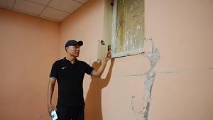 Problém při demolici paneláku v Janově