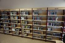 Čtenáři si již mohou od pondělí 25. května přijít vybírat knihy.
