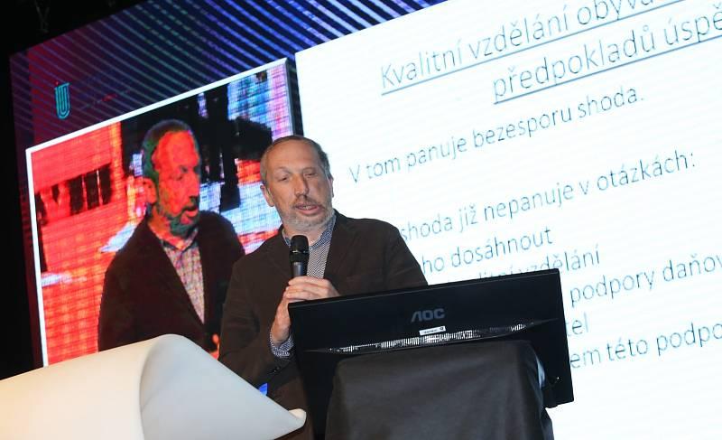 Mezi přednášejícími byl i Václav Klaus mladší.