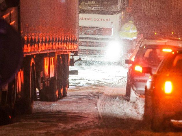 Kamiony na silnici.