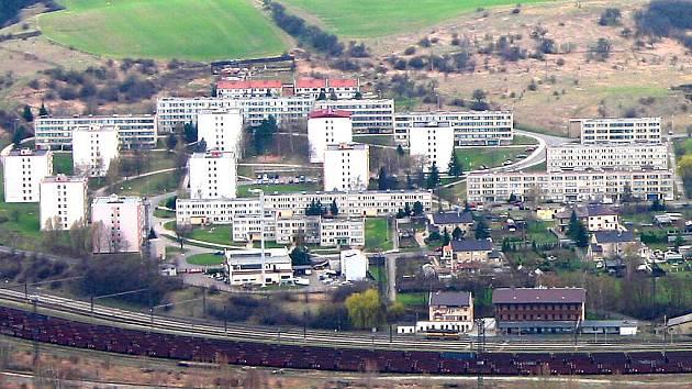 Panelové sídliště v Obrnicích.