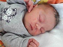 Jiří Holub se narodil 21. května 2017 v 16.40 hodin mamince Janě Halbgebaverové z Chomutova. Měřil 49 cm a vážil 3,37 kilogramu.