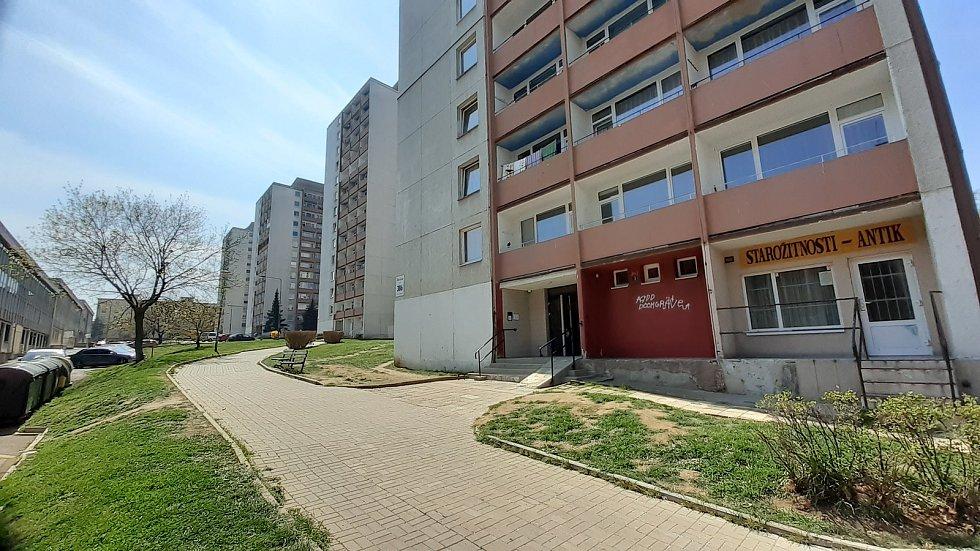 Takzvaná Dobnerovka je ulice s věžáky poblíž centra Mostu.