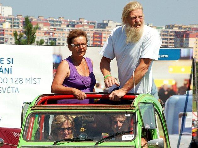 Na mosteckém hipodromu byl v roce 2009 Celosvětový sraz majitelů a přátel vozů Citroën 2CV zvaných Kachna. Ojedinělého setkání, prvního v postkomunistických zemích, se zúčastnilo přes 3 300 kultovních vozidel a osm a půl tisíce jejich fanoušků.