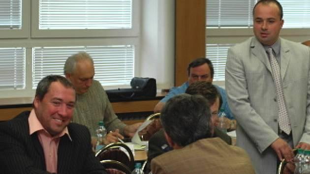 Členové rady Mostecka prosazují změnu legislativy, chtějí zabránit zneužívání sociálních dávek.