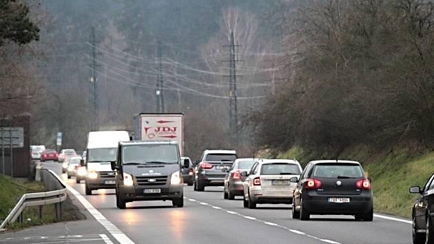 Ilustrační snímek. Silnice.