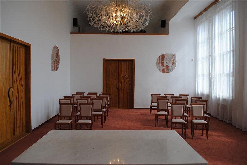 Obřadní síň na radnice v Litvínově.