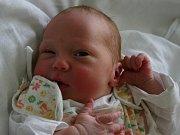 Mamince Radce Fikrtové se 12. května v 9.40 hodin narodil syn Matěj Fikrt. Měřil 49 cm a vážil 3,80 kilogramu.