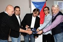 Historikové křtili novou publikaci o válečné historii Mostecka
