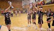 Takhle mostečtí Černí andělé oslavili sedmý český titul. Stálo to za to!