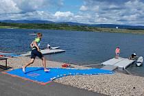 První závod v ČR ve veslařském plážovém sprintu na jezeru Most v neděli 8. srpna.