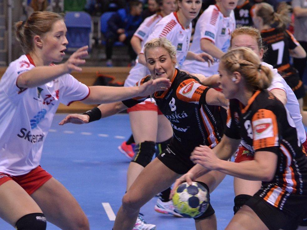 Černí andělé versus norský Larvik.