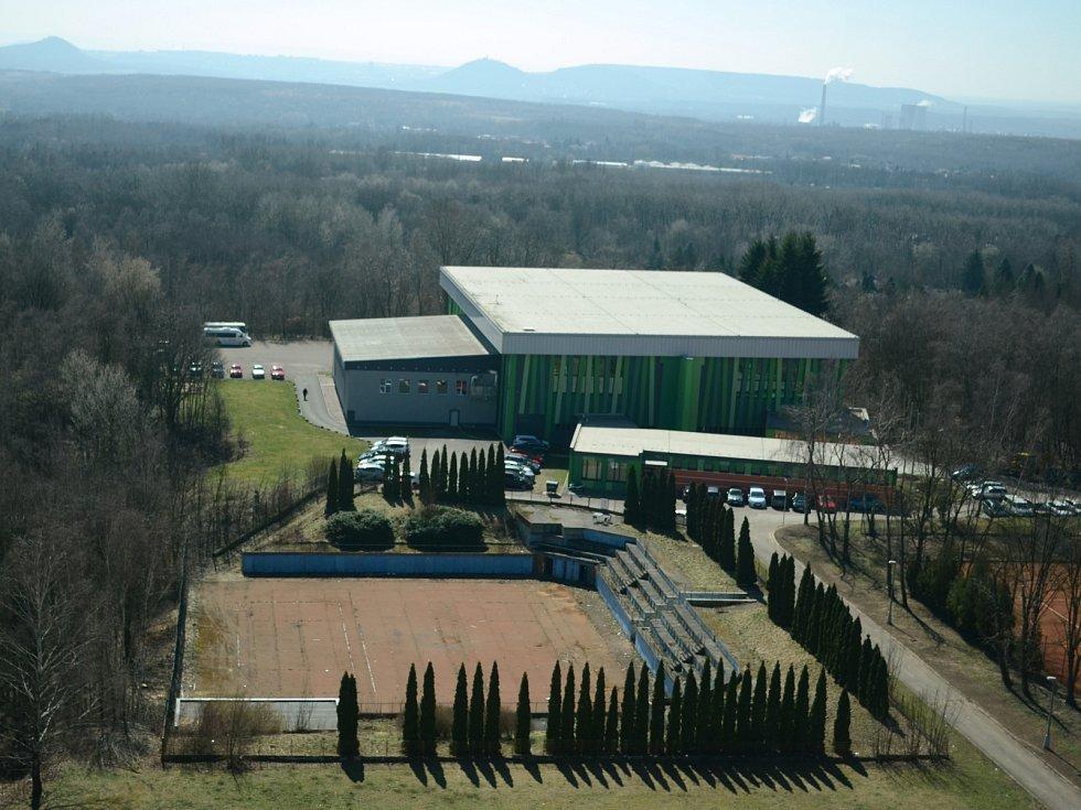 Zlepšit se má i parkování a příjezd u sportovní haly za Koldomem v Litvínově.