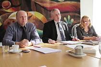 Tisková konference na radnici v Litvínově.