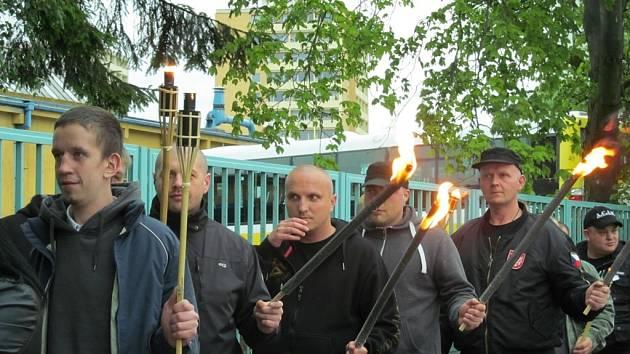 Radikálové dnes absolvovali první pochod Litvínovem.
