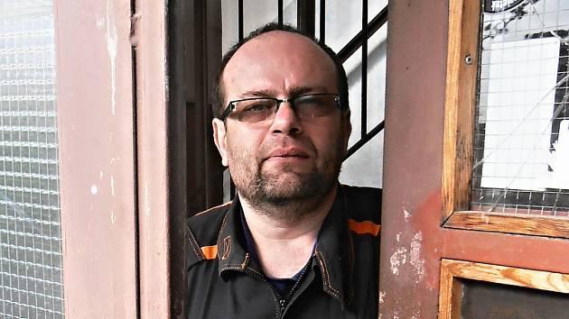 Michal Tomko, zastupitel ze Sdružení Mostečané Mostu, který s trestním oznámením předhonil městskou radu.
