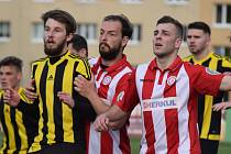 Souš (v červeném) v zápase s Olympií Březová.