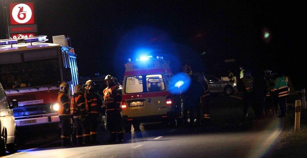 Smrtelná nehoda u chánovské benzínky.